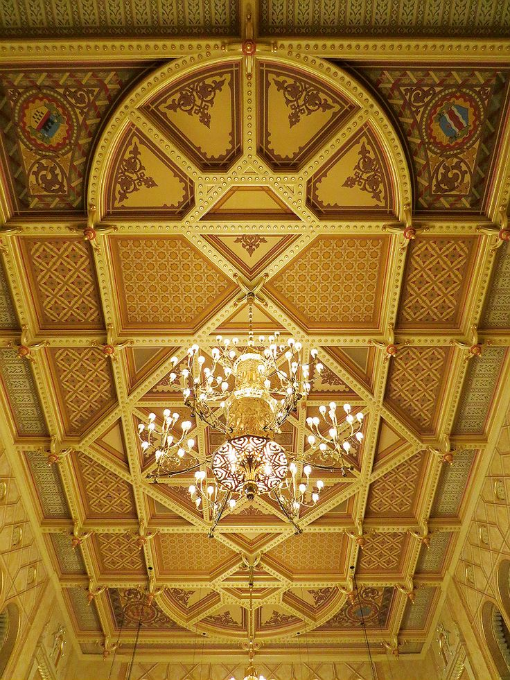 The breathtaking ceiling at the Vigadó reflects exclusivity and royalty…