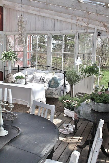 shabby chic guest cottage- Lady-Gray-Dreams
