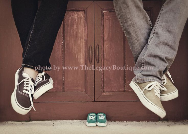 Top Maternity, Newborn, Baby Photography in Lifestyle and Studio Art compositions. All images ©TheLegacyBoutique.com