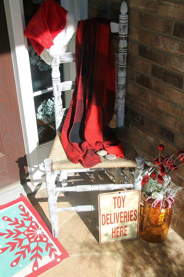 Welcoming Christmas porch entry - Debbiedoos