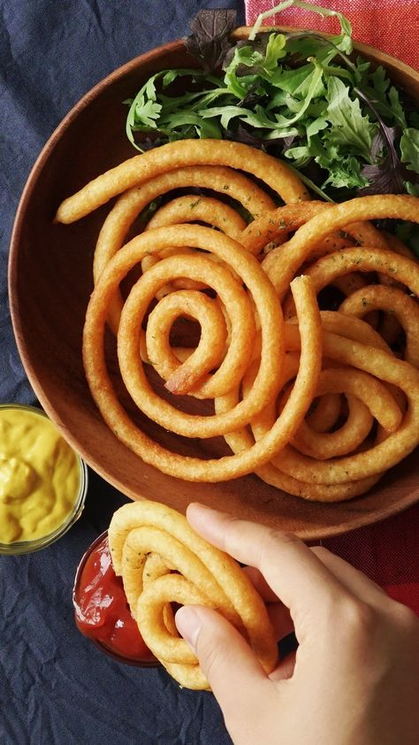Recipe with video instructions: If you thought curly fries were the pinnacle of fry evolution, check this out. Ingredients: 1 ⅔ cups potatoes, peeled and cubed, 1 egg, beaten, 2 Tbsp potato starch, Salt & pepper, 2 Tbsp Parmesan cheese, 3 Tbsp milk