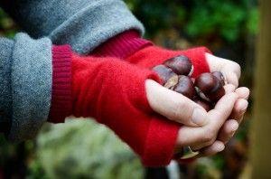 Turtle Doves make fingerless gloves from old jumpers - brilliant