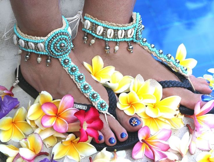 2 Anklets Bare Foot Sandals Toe Thongs Cowrie Shells Aqua FreshWater Pearls Ties