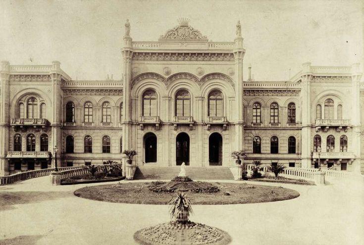 Krisztina körút 55., a Karátsonyi-palota (lebontották) főhomlokzata. A felvétel 1895-1899 között készült. A kép forrását kérjük így adja meg: Fortepan / Budapest Főváros Levéltára. Levéltári jelzet: HU.BFL.XV.19.d.1.11.070