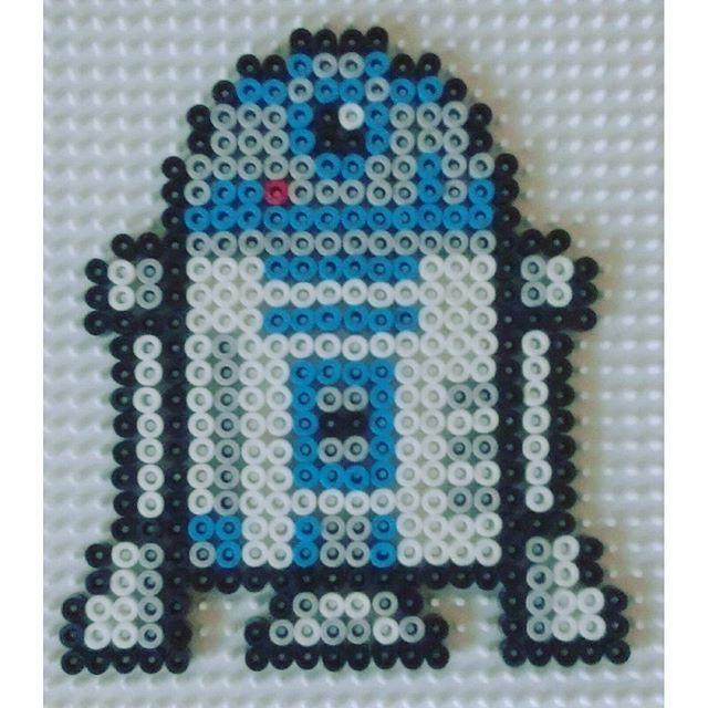 R2D2 Star Wars hama beads by  machin_bidule_chouette