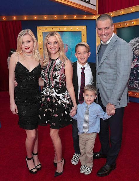 Reese Witherspoon and Jim Toth take her kids Ava, Deacon and Tennessee to the premiere of Sing on December 3, 2016