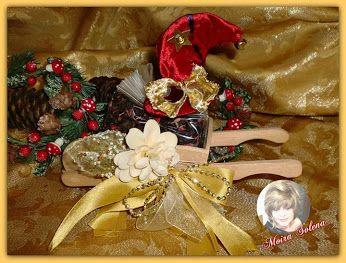 Confezione di infuso adornato da un Cappellino portafortuna natalizio. https://www.facebook.com/LeBamboleDiMoiraSolena/photos/pb.118843074844159.-2207520000.1450858370./980454018683056/?type=3&theater