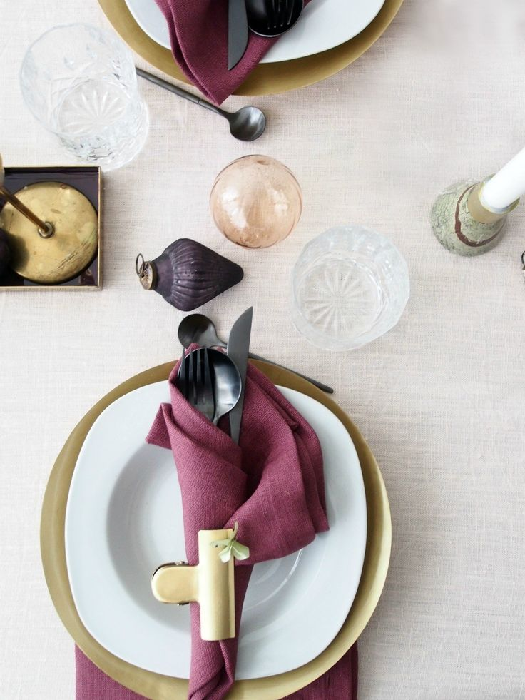 DIY-Holiday-Table-Setting-Ideas