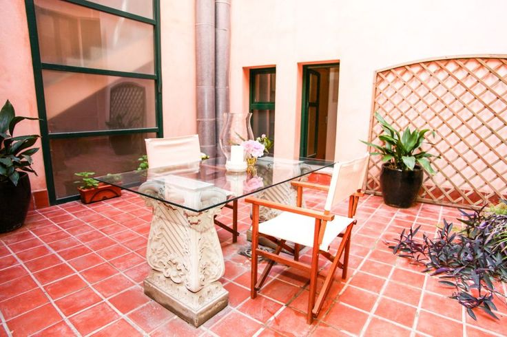 Old town, Palma de Mallorca: High quality apartment in the Old town of Palma