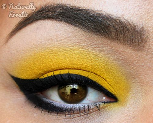 Bria J.brightens up her cat eyewith a bright yellow shadow from Sugarpill!