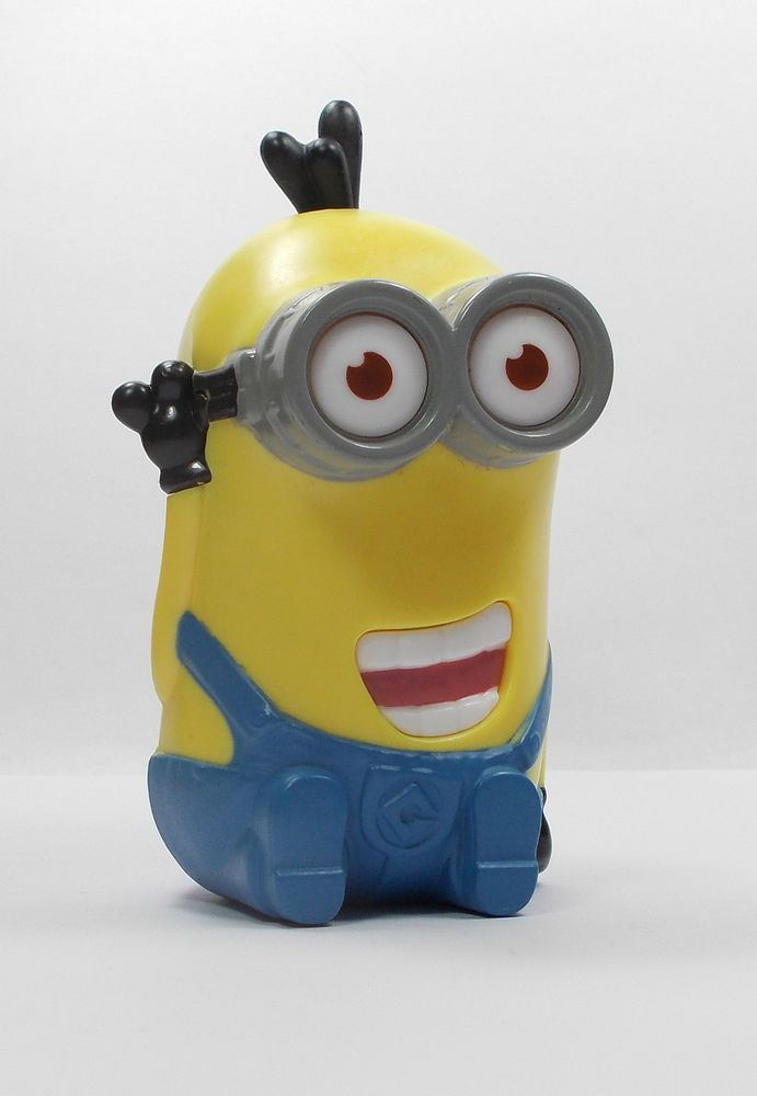 Despicable Me - Minion - Tim - Giggling - Toy Figure - Cake Topper (2)