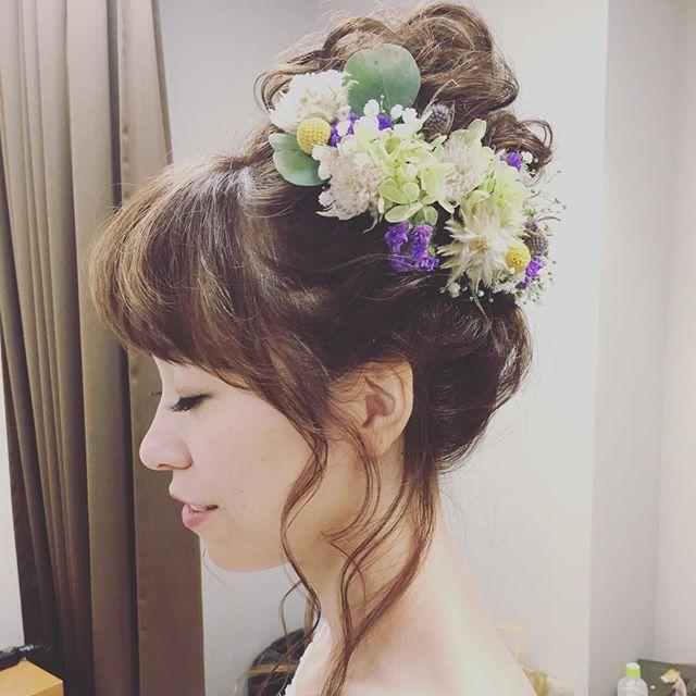 2次会hair♡ #結婚式 #花嫁ヘア #花嫁 #ウェディング#ブライダル#2次会#結婚準備#かすみ草#プリザーブド#フラワー#ヘアメイク#wedding #love #お幸せに