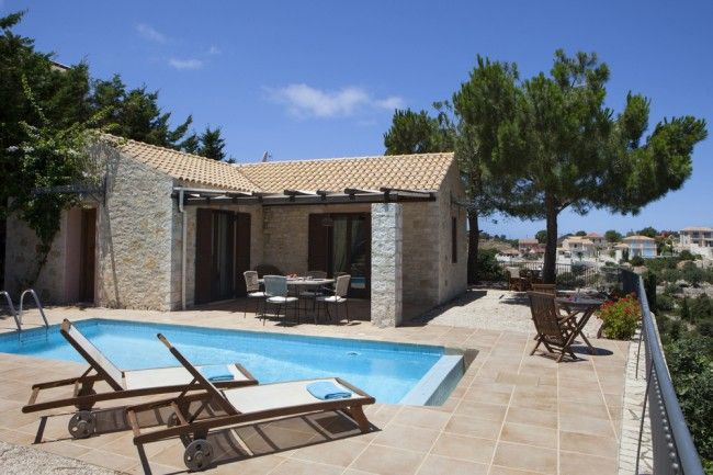 Villa Maistro is a beaitifully charming and stylish stone cottage. Set in a very secluded position on the edge of a hillside, the picture postcard panorama is quite simply breathtaking.