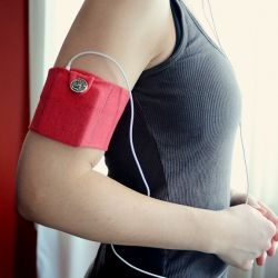 Make a simple iPod holder using scraps that you have lying around the house. Perfect to wear to the gym!