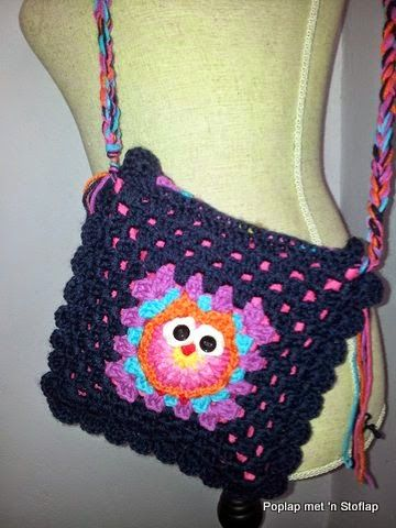 Poplap met 'n Stoflap Owl bag. I made it with granny squares. The post is in Afrikaans, but I will soon do one on my English Blog.