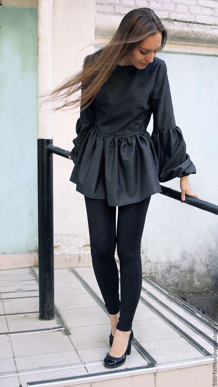 Купить Блузка с баской и рукавами фонариками. - темно-серый, в горошек, блузка с баской