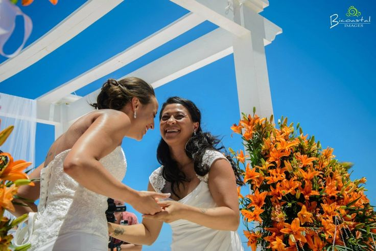 It's moments like these that really make for a lifetime of great wedding memories! Grand Palladium Riviera Maya Mexico