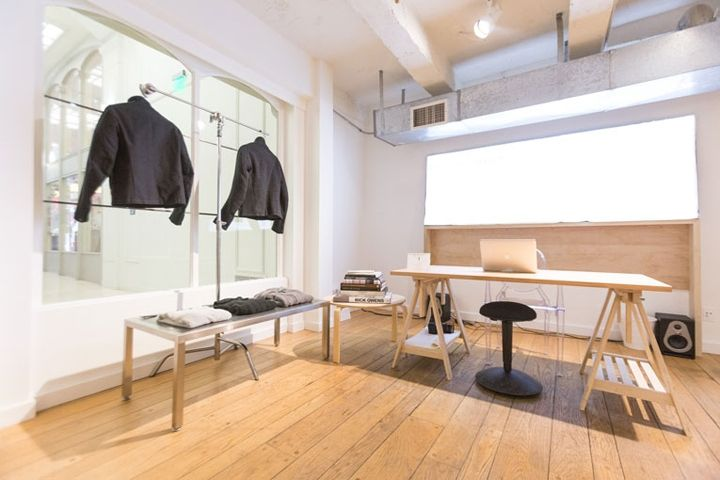Called the Abeyance, meaning a pause of sort and usually in a legal situation, Phillips aims to create a pause, if not a meditative moment that enables one to find new balance in the volatile realm of fashion. The retail space measures 850 sq.ft. and boasts a clean aesthetic of whitewashed walls, paired with timber planking, simple wooden furnishings and steel clothing racks.