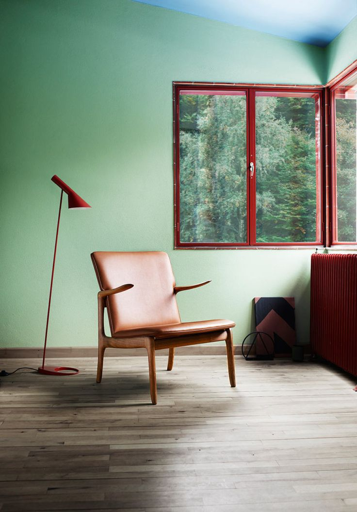 Carl Hansen & Son Brings Back Ole Wanscher's Beak Chair - Design Milk