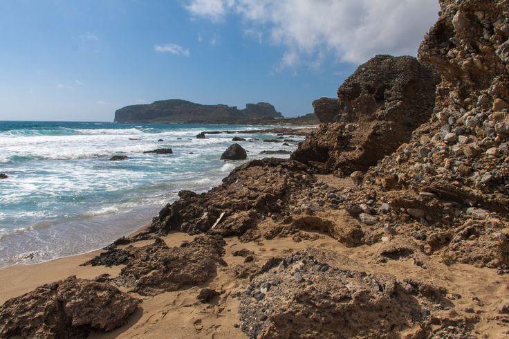 Strand en Rotsen
