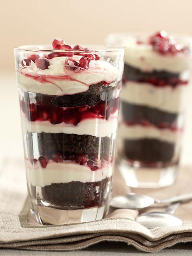 Rezept für Schoko-Tiramisu bei Essen und Trinken. Ein Rezept für 6 Personen. Und weitere Rezepte in den Kategorien Milch + Milchprodukte, Obst, Vorspeise, Nachtisch / Dessert, Party, Kinderrezepte, Pudding/Cremes.