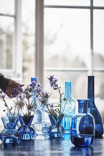 Les vases se déclinent en camaïeu de bleus, Ikea