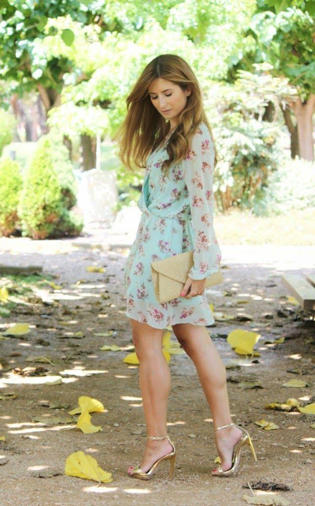Trendy Look. Look con vestido aguamarina de flores. A trendy life. #trendy #flowereddress #flowers #zara #tous #amichi #love #outfit #fashionblogger #atrendylife www.atrendylifestyle.com