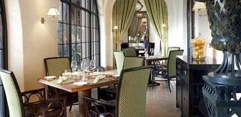 The consequences of losing a bet with Eddie T aren't hard to bear when Lyla is treated to a wonderful dinner at The Manorborne, the restaurant inspired by Dallas' Mansion on Turtle Creek.