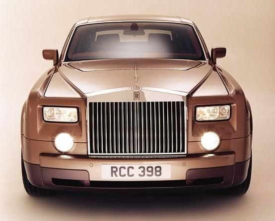 Rolls-Royce Phantom -- but in white