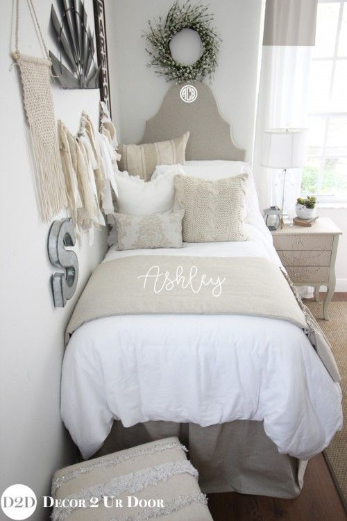 Love that fixer upper style? Neutral dorm bedding is always a favorite. This tan and white farmhouse dorm bedding set features linen stripes, cable knit textures, and white frills.