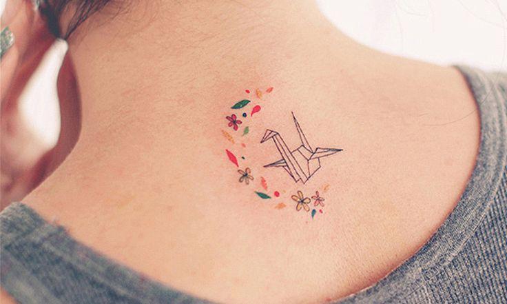 Artista cria incríveis tatuagens minimalistas que provam que tamanho não é documento