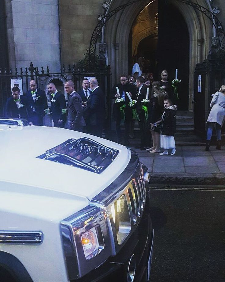 Outside St Goerge Church about to make our way to the reception in East London. Congratulations to the newlyweds from everyone at Limos and Cars  #limosandcars #newlyweds #weddingevent #weddingday #hummerlimo #hummerhire #hummerh2limo #churchwedding