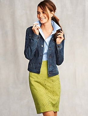 Jeans jacket paired with eyelet skirt - a sleek casual vibe to try!