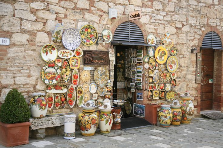 Charming shop in Tuscany