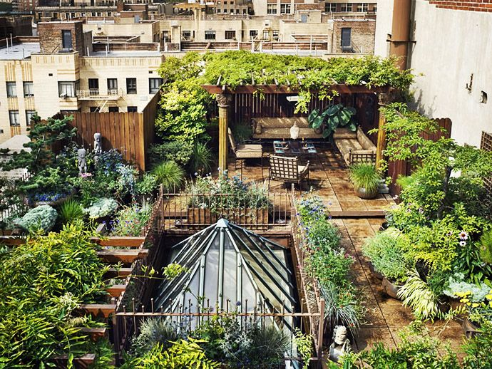 Looking for a Spectacular Secret Garden? Check Out This Manhattan Roof Garden