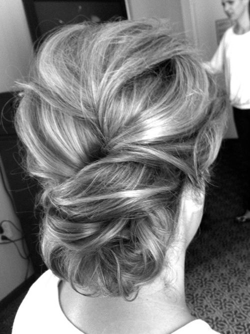 Hair does Pretty collection of simple yet gorgeous - Hair does Pretty collection of simple yet gorgeous up dos for weddings and other special events. | MODwedding blog by MODwedding | Wedding Website for The Modern Brides + Grooms  #whbm #feelbeautif