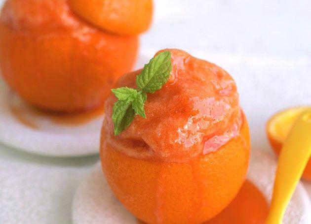 appelsinsorbet i appelsinskall