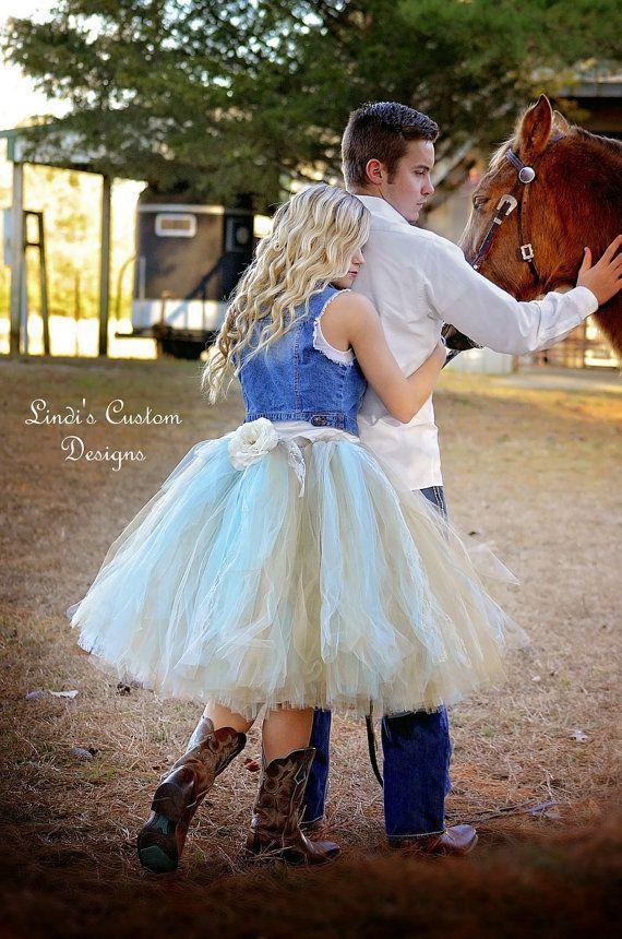 Country Western Cowgirl Bridal Tea Length Tulle por sweethearttutus