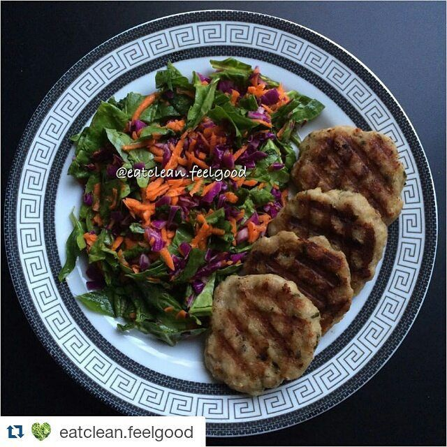 #hafifyemeli #Repost @eatclean.feelgood with @repostapp Aksam yemegim yulaf ve avokadolu tavuk koftesi yaninda renkli ispanak salatasi #saglikliyasam #sagliklibeslenme #sagliklizayiflama #sagliklitarifler #foodporn #foodie #healthyliving #healthylifestyle #healthychoices #foodphotography #eatclean #eathealthy #protein #lowcarb #goodcarb #goodfats #looseweight #weightloss #weightlossjourney #cleaneating by hafifyemeli