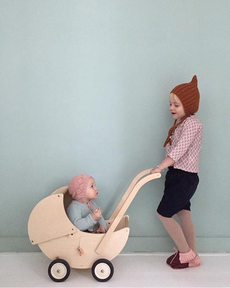 The cute kids of @sannehop one in our pretty #milos_shirt #pierrotlalune #weareorganic #sannehop SALE ON 60%