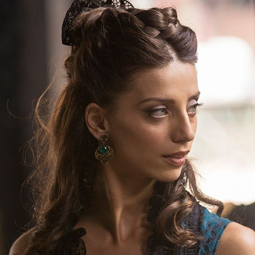 Angela Sarafyan as Clementine in WESTWORLD (2016)
