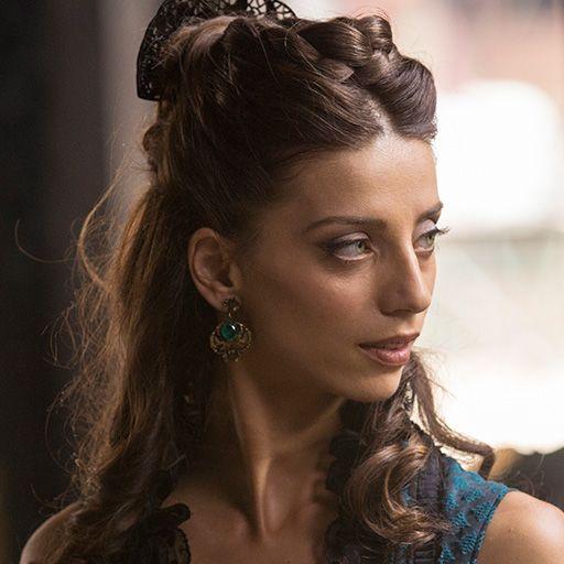 Angela Sarafyan as Clementine in WESTWORLD (2016)