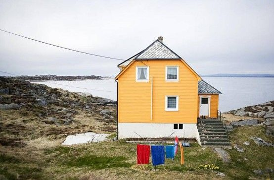 Cozy Norway Summer House By The Sea | DigsDigs