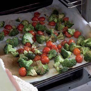 Gegrilde broccoli met kerstomaatjes en balsamico