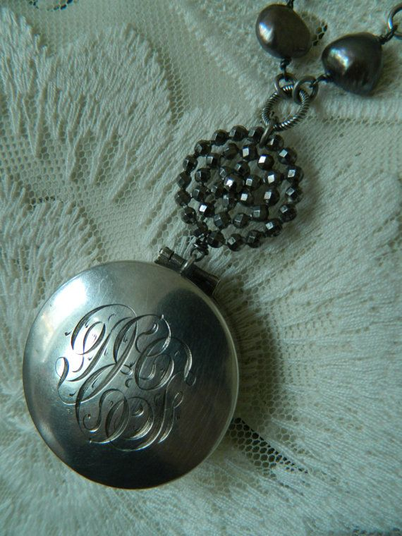 SALE 15% coupon code MARCH15 Vintage Keepsake by 58Diamond on Etsy