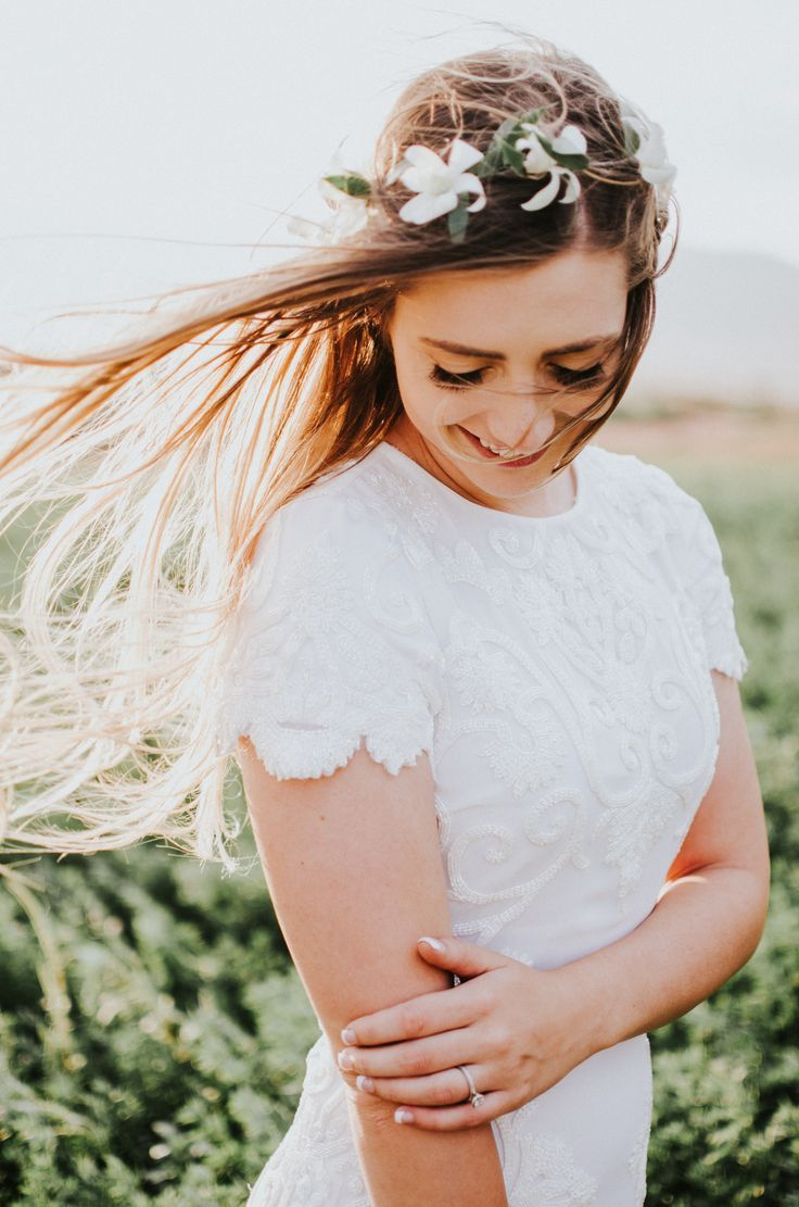 Beautiful bridal shot in the wind by Utah Elopement photographer Simply Amor Photography
