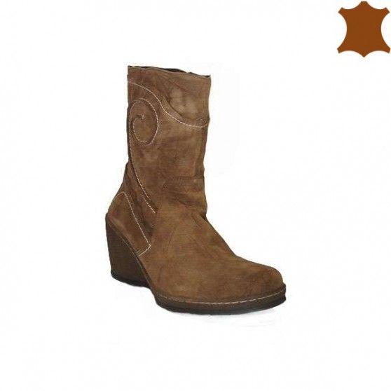 Es un día perfecto para ahorrar mucho dinero compra botas de gran calidad... solo a 27,99€ son de piel    https://primarshoes.com/botas-mujer/6513-bota-cuna-relieve-v674.html  #FelizMiercoles