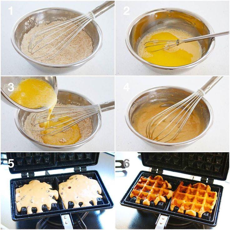 朝から#6コマレシピ 失礼します ワッフル良かったらお試しくださいね 材料枚分 薄力粉100g ベーキングパウダー4g 砂糖40g 卵個 牛乳100g 溶かしバター20g チョコチップ45g 作り方 1)薄力粉とベーキングパウダーをボウルにふるい入れグラニュー糖も加え混ぜる 2)別のボウルに卵牛乳溶かしバターを混ぜる 3)1のボウルに2を加え混ぜる 4)均一になったらOKチョコチップを加える 5)熱したワッフルメーカーに油を塗り生地を流す 6)フタを閉めて弱火で2分半ずつ両面を焼き良い色になったら完成 How to make chocolate chip waffles. [Materials] 6 sheets 100g flour 4gBaking powder 40g Sugar 1 egg 100gMilk 20gMelted butter 45gChocolate chip How to make 1) Sift the flour and baking powder into a bowl and add the suga