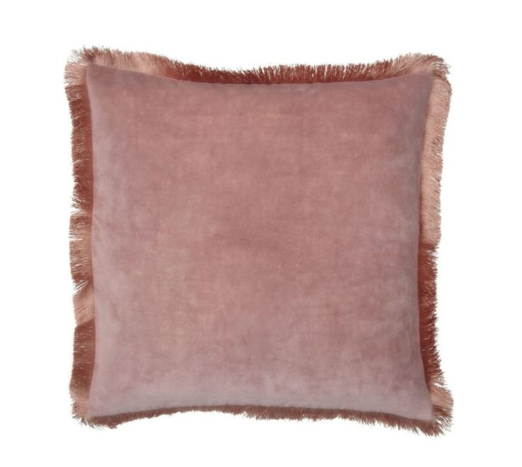 Pute fra Day Home  400,-  https://meandmore.no/produkt/fringes-cushion-cover/