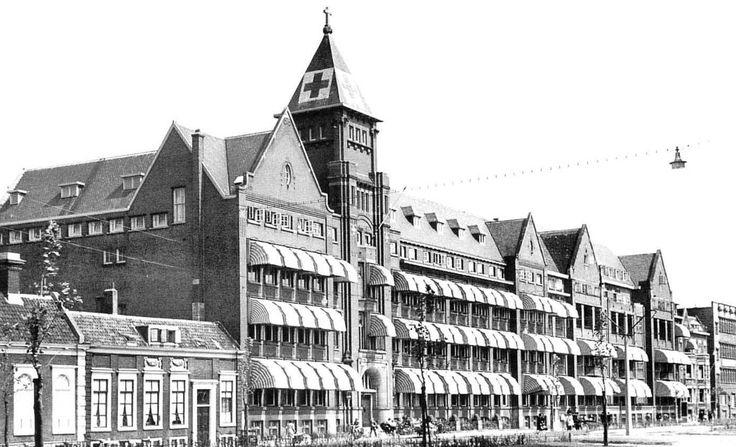 Schiekade met sint franciscus gasthuis (jaren 30)
